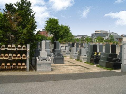 正楽寺墓苑
