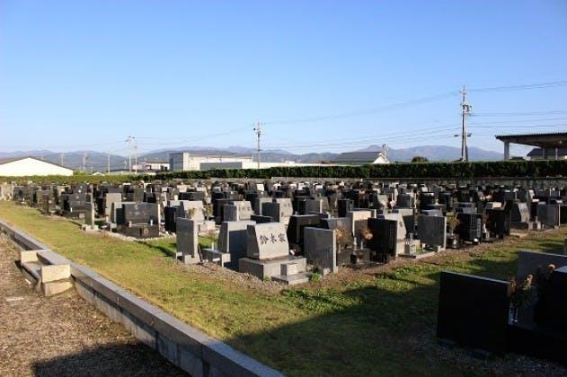 安曇野市営 穂高墓地公園