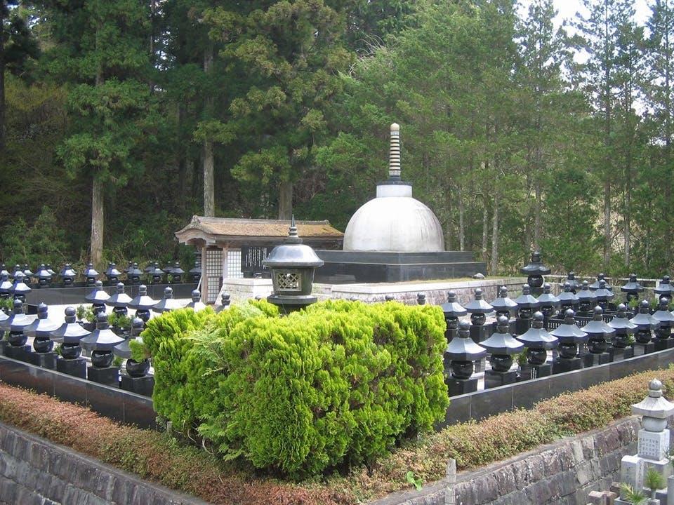 高野山 奥の院 永代供養墓「佛舎利宝塔」