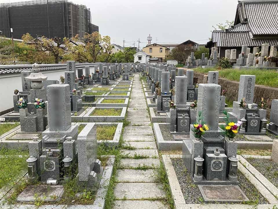 常念寺墓地