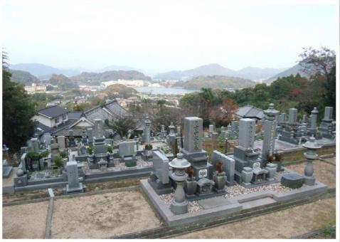 自性院墓地