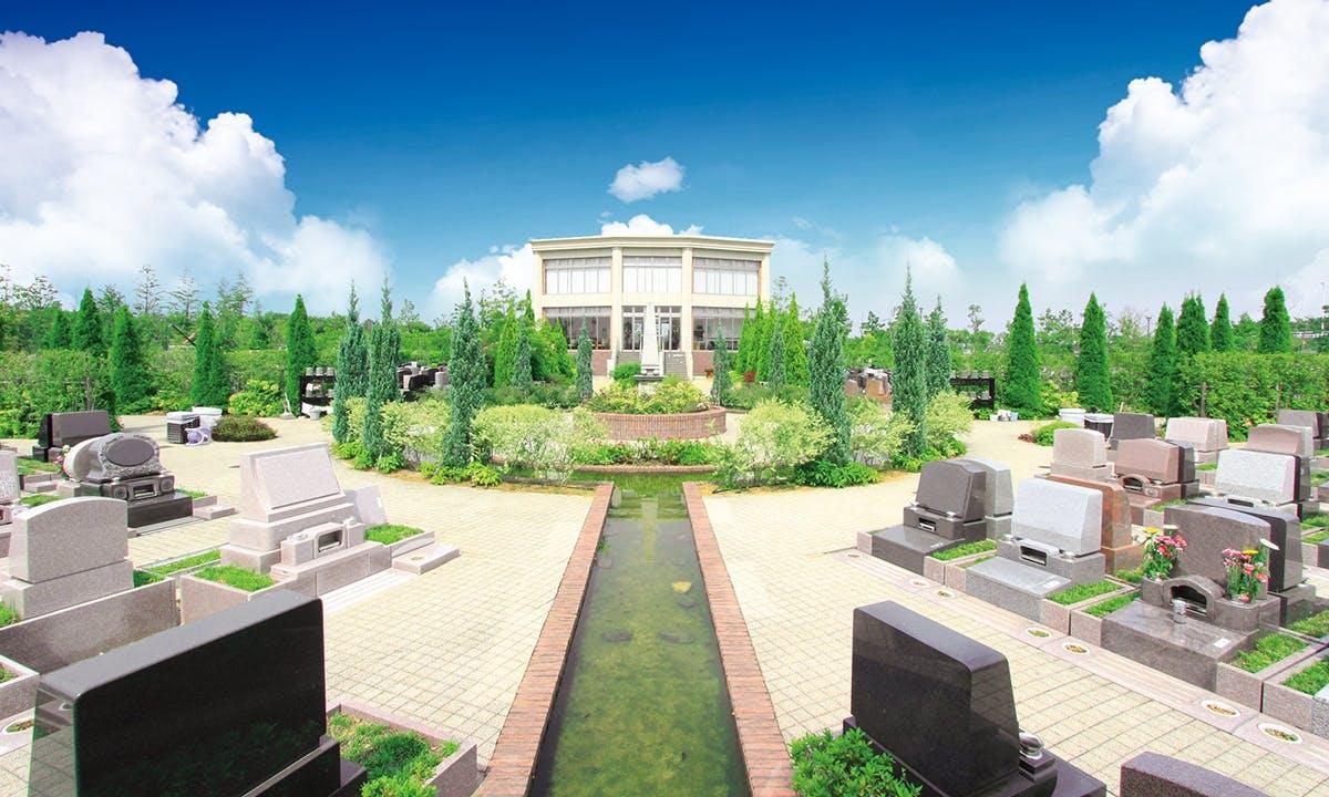 富士見メモリアルガーデン 永代供養墓「彩雲」