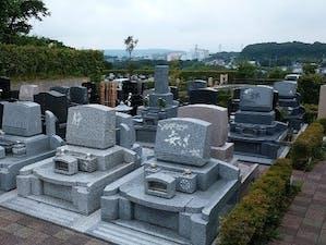 冨鶴浄苑本弘寺墓地の画像
