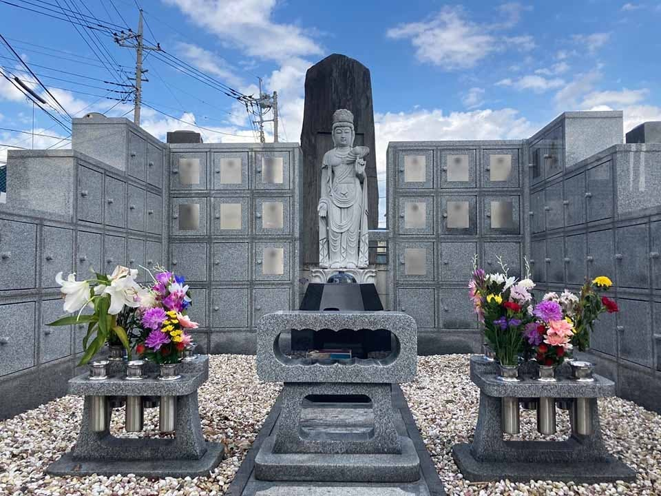 蓮光寺 のうこつぼ