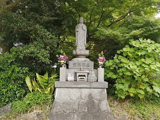 豊橋駅前樹木葬墓地