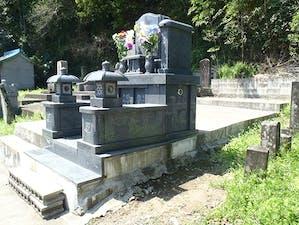 春日墓地の画像
