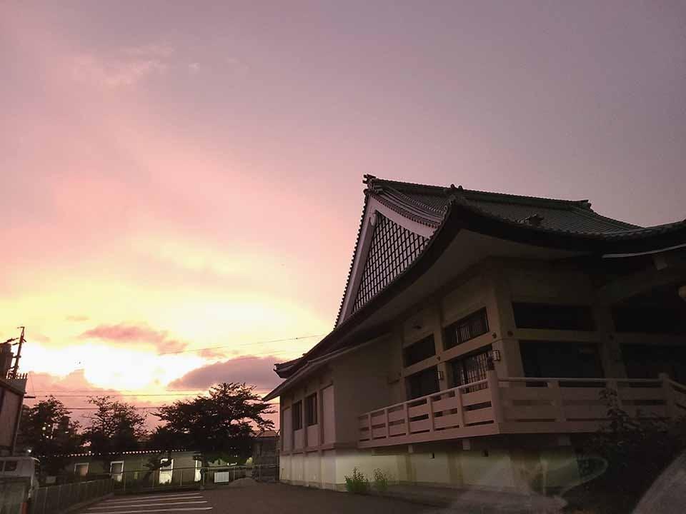 信光寺 永代供養塔