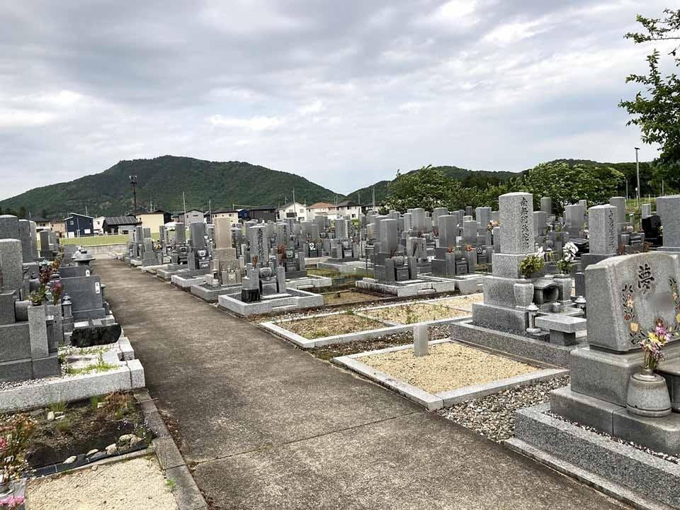 浄厳院墓地