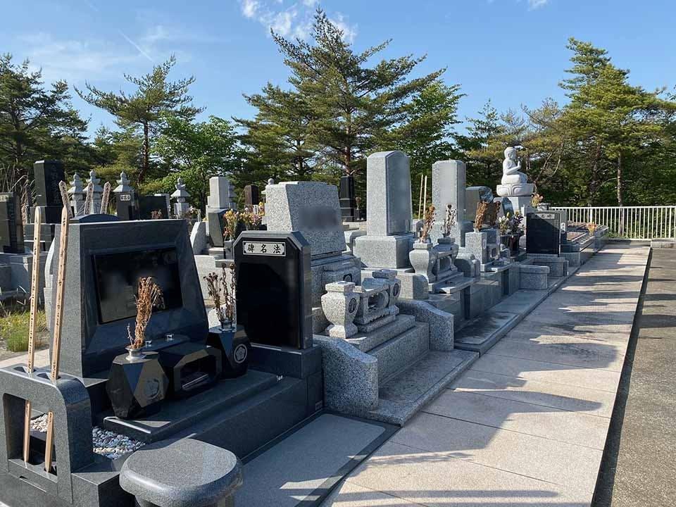 慈恩寺葛岡墓地